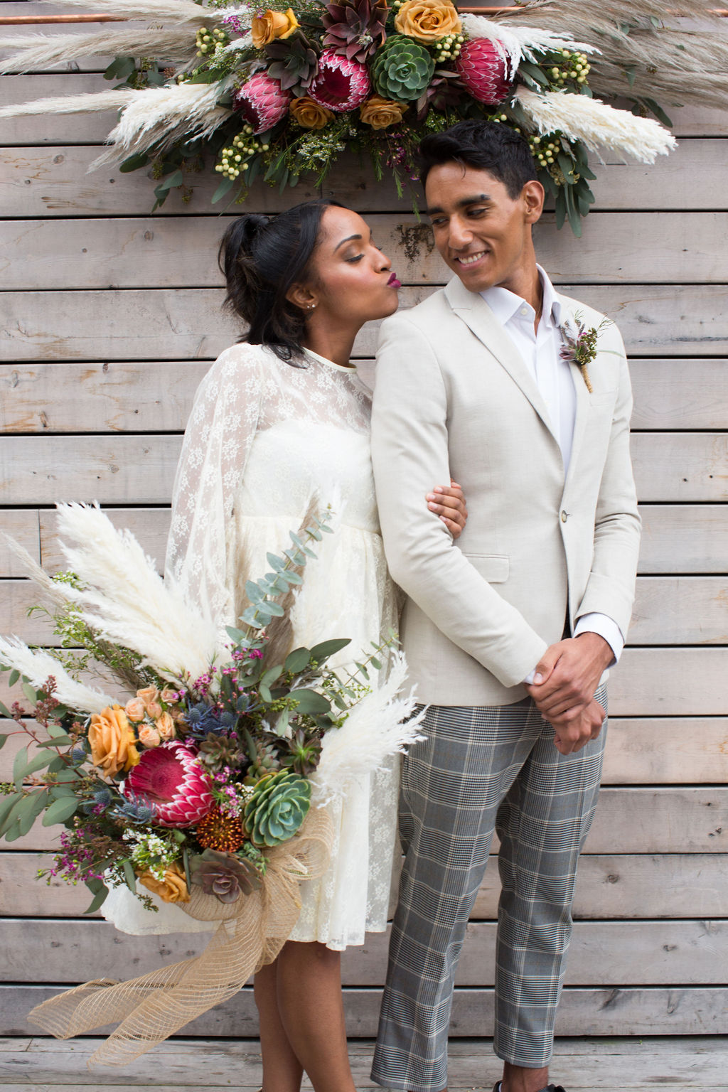 Boho long-sleeved weddng dress second-hand wedding dress floral by Succulents for Hire